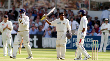 Mahela Jayawardene celebrates his hundred