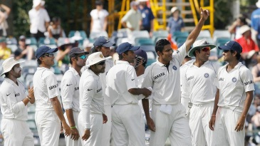 Anil Kumble acknowledges the cheers after picking up his 600th Test wicket, in Perth in January 2008