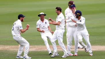 Tim Murtagh makes a breakthrough on the final day at the Kia Oval