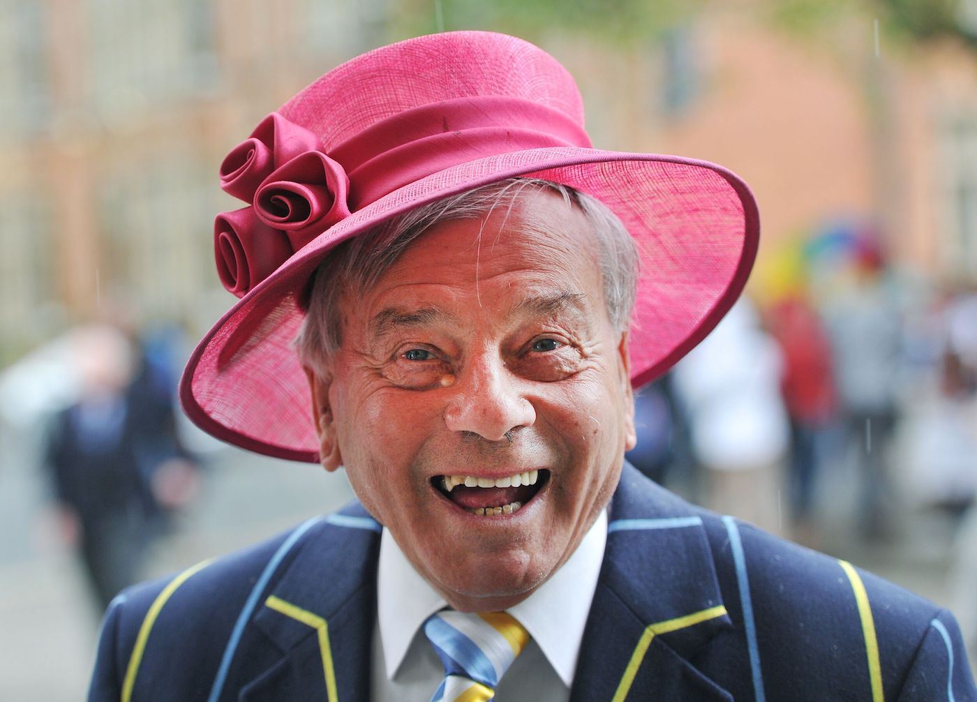 Howzzzhat! Dickie Bird's all ready for Royal Ascot