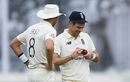 James Anderson and Stuart Broad swung the second morning England's way, England v Pakistan, 1st Test, Old Trafford, 2nd day, August 6, 2020