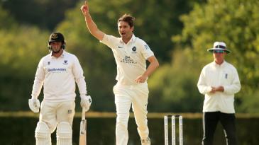 Tim Murtagh's three-wicket burst left Sussex reeling