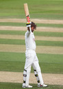 Ben Foakes acknowledges his hundred, Surrey v Kent, The Oval, 3rd day, Bob Willis Trophy, August 24, 2020