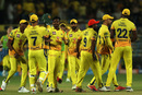 MS Dhoni congratulates KM Asif on picking Colin Munro's wicket, Chennai Super Kings v Delhi Daredevils, IPL  2018, Pune, April 30, 2018
