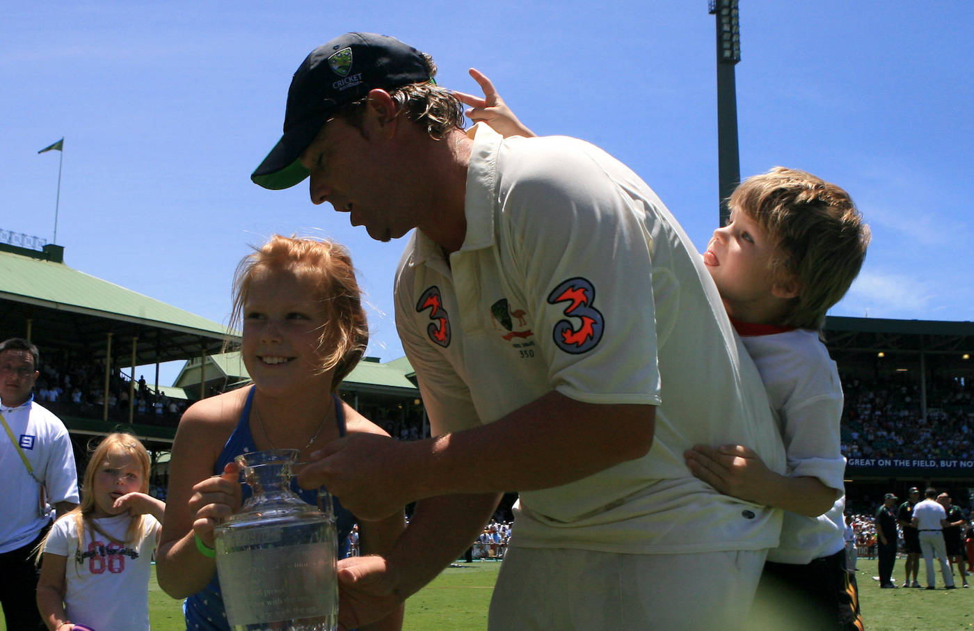 Jackson (right) knows just what Shane Warne's last Ashes photo-op needs - bunny ears