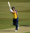 Ryan ten Doeschate comes down the pitch, Kent v Essex, Canterbury, Vitality Blast, September 18, 2020