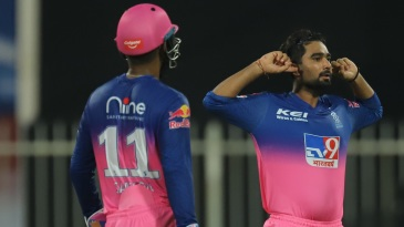 Rahul Tewatia took two wickets in two balls