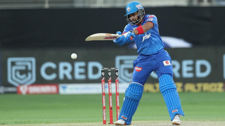 Prithvi Shaw slashes one into the offside