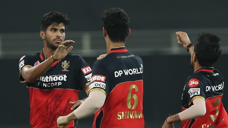 Washington Sundar celebrates after dismissing Rohit Sharma cheaply
