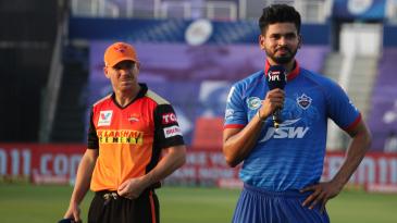 Shreyas Iyer and David Warner at the toss