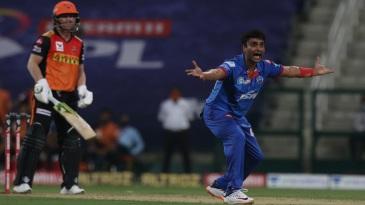 Amit Mishra removed David Warner to boost the Delhi Capitals