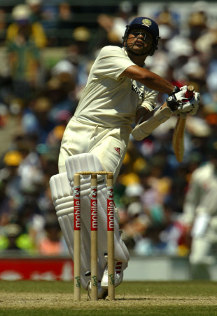 Sachin Tendulkar pulls, Australia v India, 4th Test, Sydney, 3rd day, January 4, 2004