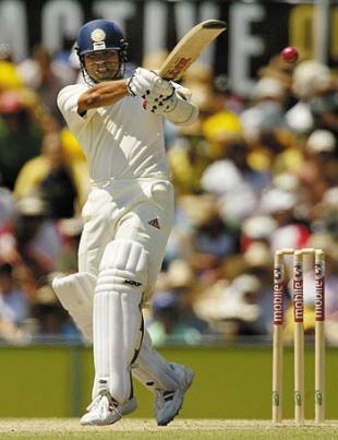 Sachin Tendulkar executes a savage pull, Australia v India, 4th Test, Sydney, 3rd day, January 4, 2004
