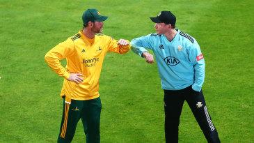 Gareth Batty and Dan Christian bump elbows before the Blast final