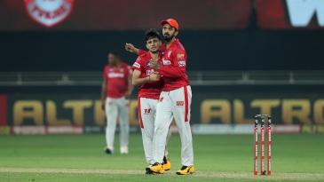 KL Rahul congratulates Ravi Bishnoi for taking a wicket