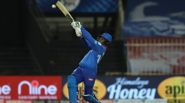 Shimron Hetmyer takes on a short ball