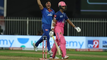 Yashasvi Jaiswal fell to Marcus Stoinis in trying to force the pace