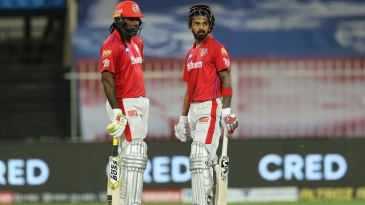 Chris Gayle and KL Rahul have a chat while batting together