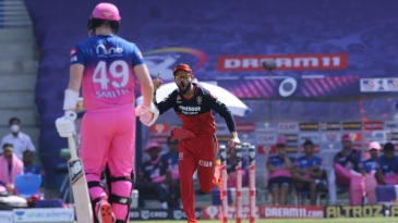 Virat Kohli is thrilled at Steven Smith's dismissal