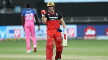 AB de Villiers exults after taking the Royal Challengers Bangalore to victory