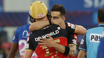 Virat Kohli hugs AB de Villiers after the win