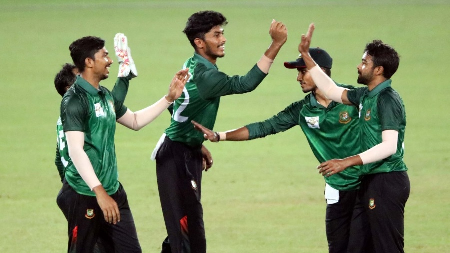 Rishad Hossain celebrates a wicket in a practice game
