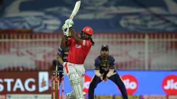 Chris Gayle goes big against spin