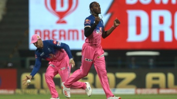 Jofra Archer with yet another early strike. Jos Buttler collects the ball in the background