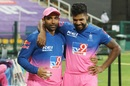 Robin Uthappa and Varun Aaron share a lighter moment, Kings XI Punjab vs Rajasthan Royals, IPL 2020, Abu Dhabi, October 30, 2020