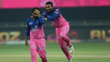 Rahul Tewatia was a middle-overs menace and Shreyas Gopal loved it