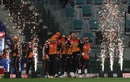 David Warner lead the Sunrisers Hyderabad out to the field, Delhi Capitals vs Sunrisers Hyderabad, IPL 2020, 2nd Eliminator, Abu Dhabi, November 8, 2020