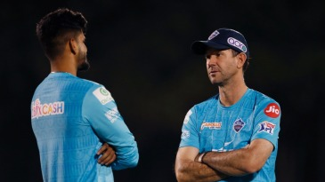 Shreyas Iyer and Ricky Ponting have a chat during training
