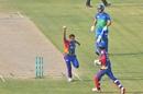 Arshad Iqbal and Chadwick Walton celebrate as Rilee Rossouw is run out, PSL 2020, Multan Sultans vs Karachi Kings, Karachi, November 14, 2020