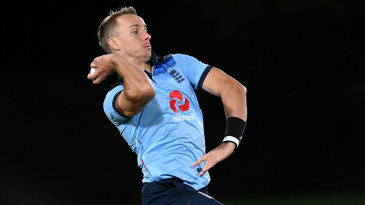 Tom Curran in his delivery stride