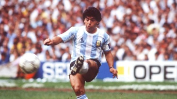 Tributes from cricketers poured in on the passing of football legend Diego Maradona
