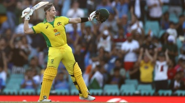 Steven Smith brought up a 62-ball century