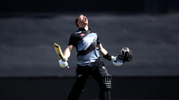 Glenn Phillips roars after bringing up his hundred