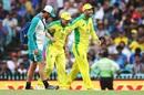 David Warner walks off the field after injuring his groin, Australia v India, 2nd ODI, Sydney, November 29, 2020