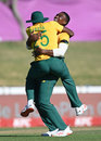 Kagiso Rabada and Lungi Ngidi celebrate a breakthrough for South Africa, South Africa vs England, 2nd T20I, Paarl, November 29, 2020