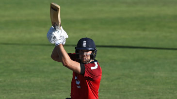 Dawid Malan drives on the up through the covers
