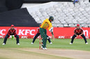 Quinton de Kock works the ball to the leg side, South Africa vs England, 3rd T20I, Cape Town, December 1 2020
