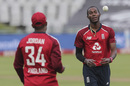 Jofra Archer at the top of his mark, South Africa vs England, 3rd T20I, Cape Town, December 1 2020