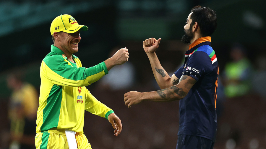 Virat Kohli congratulates Aaron Finch after Australia