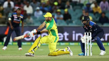 Glenn Maxwell switch-hits Kuldeep Yadav for six