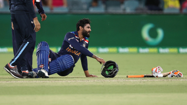 Ravindra Jadeja injured his leg while batting