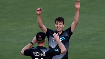 Jacob Duffy picked up three wickets inside the powerplay