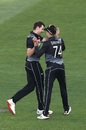 Jacob Duffy celebrates a wicket with his captain Mitchell Santner, New Zealand vs Pakistan, 1st T20I, Auckland, December 18, 2020