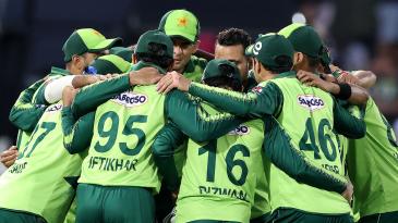 Pakistan get into a huddle