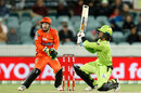 Ollie Davies brings out the switch hit for six  Sydney Thunder vs Perth Scorchers, BBL, Canberra, December 22, 2020