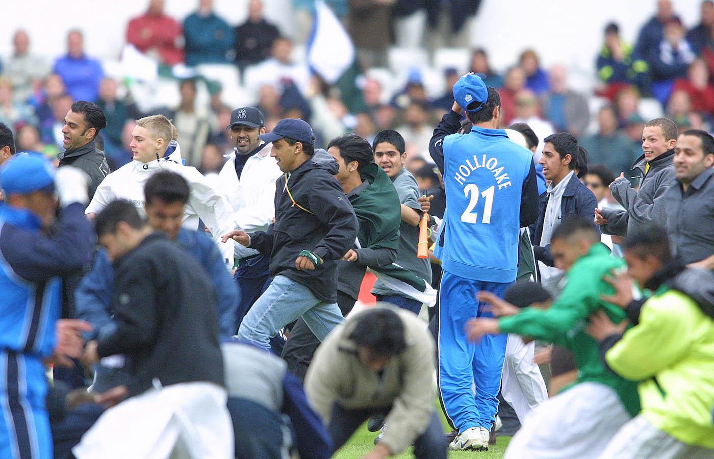 Ben Hollioake tries to find a way out of the scrum at the premature conclusion of the England vs Pakistan match at Headingley in 2001